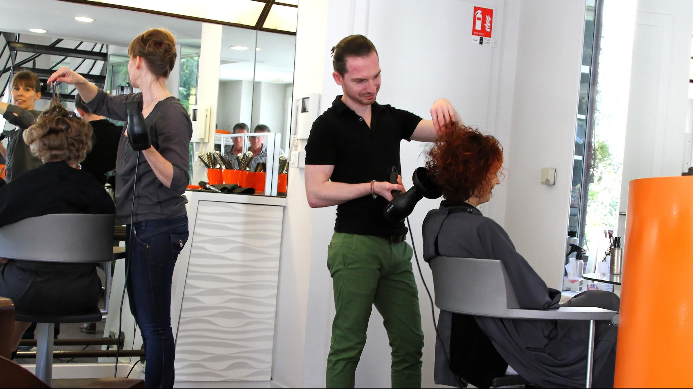 images-salon-coiffeurs-e1440579098301